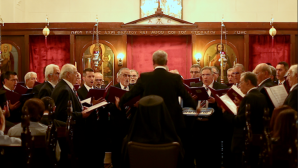 """İzmir Aya Fotini Kilisesi'nde, 80 Yıllık """"Çok Sesli Lavrion Korosu"""" Konser Verdi"""