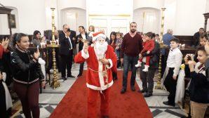 İskenderun'da Noel Baba, Hediyeleriyle Çocukları Sevindirdi