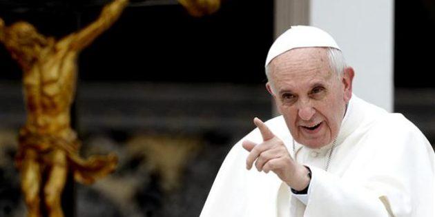 """Papa Françesko: """"Homoseksüelliğe Eğilimi Olan Ruhbanlar Görevlerinden Ayrılsın"""""""