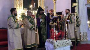 Kumkapı Surp Harutyun Kilisesi'nde 2019'un İlk Ayini Yapıldı