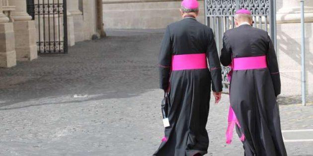 Piskoposlar Cinsel İstismarla Mücadele İçin Vatikan'da Bir Araya Gelecek