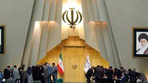 İranlı Hristiyanlar İnançlarına Tutunuyor