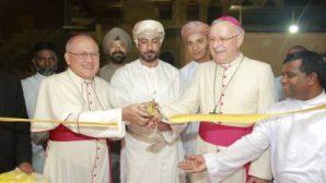 Din Görevlileri, Umman'daki  5. Kiliseyi Açtı