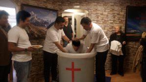 Cankurtaran Kilisesi'nde Vaftiz Sevinci