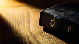 Suudi Arabistan'da Kutsal Kitap Taşıyanlara Yeni Yaptırımlar Uygulanacak