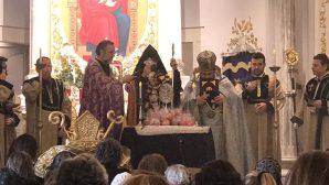 Türkiye Ermenileri 85. Patriği, Yeni Yılın İlk Sunu Ayini'ni Gerçekleştirdi