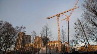 Notre Dame Katedrali Yıkım Tehlikesi Yaşıyor