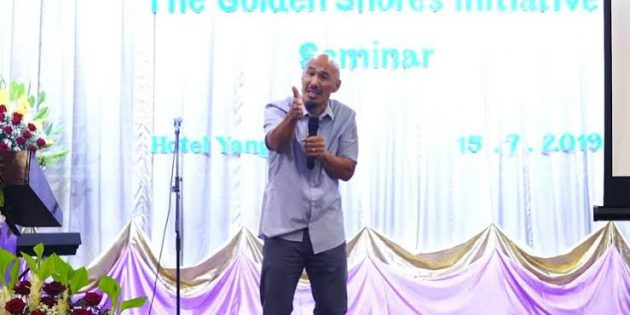 Francis Chan, Myanmar'daki Mucizevi İyileşme Hakkında Konuştu