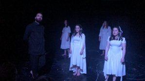 Hangardz Tiyatro Ekibinden Ermenice Oyun Sergilendi