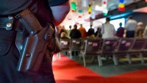 ABD'deki Kiliseler, Silahlı Güvenlik Güçleri Tarafından Korunuyor