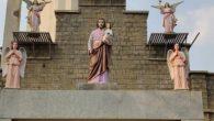 Radikaller Tarafından Hristiyan Mezarlığı'ndan İsa Heykeli Kaldırıldı