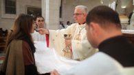 Kutsal Topraklarda Komünyonun Sadece Elle Verilmesi İstendi