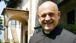 Solunum Cihazını Daha Genç Hastaya Veren İtalyan Rahip Hayatını Kaybetti