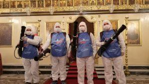 İskenderun'daki Kiliselerde Dezenfeksiyon Çalışması Yapıldı