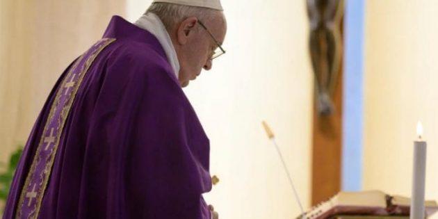 Papa, Pandemi Nedeniyle Maddi Zorluklar Yaşayanlar İçin Dua Etti