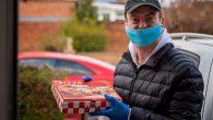 Gıda Bankasına Yardım Eden Pastör, Pizza Dağıtımına Başladı