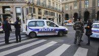 Paris'te Paskalya Ayinine Polis Baskını