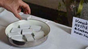 İsviçre'de Efkaristiya Ekmeği Karton Kutularda Dağıtıldı