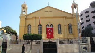 Kiliseler İbadete Açılıyor