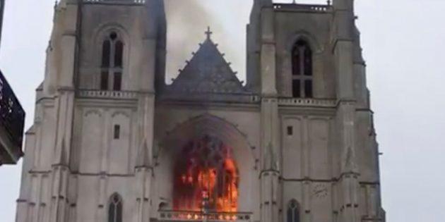 Tarihi Nantes Katedrali'nde Kundaklama Şüphesi