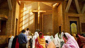 Pakistan'daki Güvenlik Güçleri Dua Toplantısını Hedef Aldı