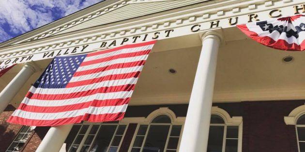 ABD'deki Kilise, Para Cezasından Sonra Kısıtlamalara Uymayı Kabul Etti