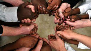 Salgın için Tüm İnançlardan Dua İsteği