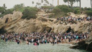 1000 Kişi Plajda Vaftiz Oldu