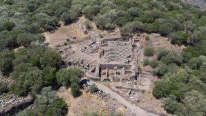 Aigai'deki Kazılarda 2 Bin Yıllık Roma Yolu Bulundu