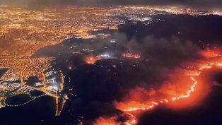 ABD'nin Kaliforniya Eyaletinde Çıkan Yangınlar Durdurulamıyor