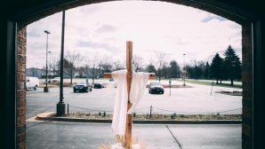 Kiliselerimiz Kapalı da Olsa Tanrı'ya Tapınabiliriz