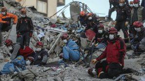 İzmir Depreminde Can Kaybı 83'e Yükseldi