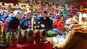 Rahibeler Online Pazarda Noel Sevincini Paylaşıyor