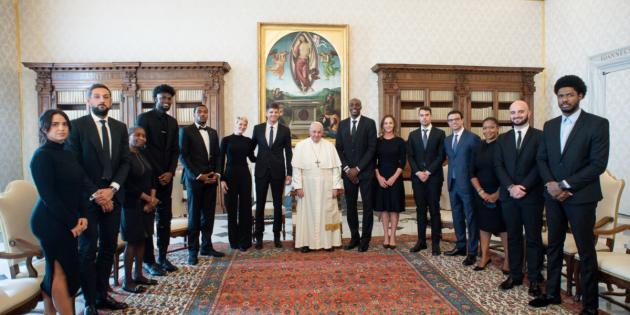 Papa Françesko, NBA Oyuncularıyla Bir Araya Geldi