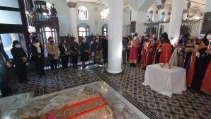 Galata Surp Krikor Lusavoriç Ermeni Apostolik Kilisesi ve Getronagan Lisesi Sevgi Sofrasında Buluştu