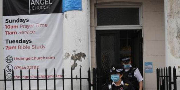 Polis, Vaftiz Törenine Müdahale Etti