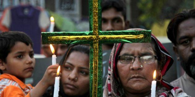 Yüzlerce Pakistanlı Hristiyan, Evlerini Terk Etmek Zorunda Kaldı