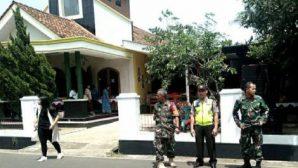 Endonezya'da Güvenlik Güçleri ve Gönüllüler Noel'de Kiliseleri Koruyacak