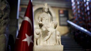 1700 Yıllık Kybele Heykeli Yeniden Türkiye'de