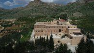Tarihi Manastırda Yetiştirilen Zeytinler Zeytinyağına Dönüşüyor